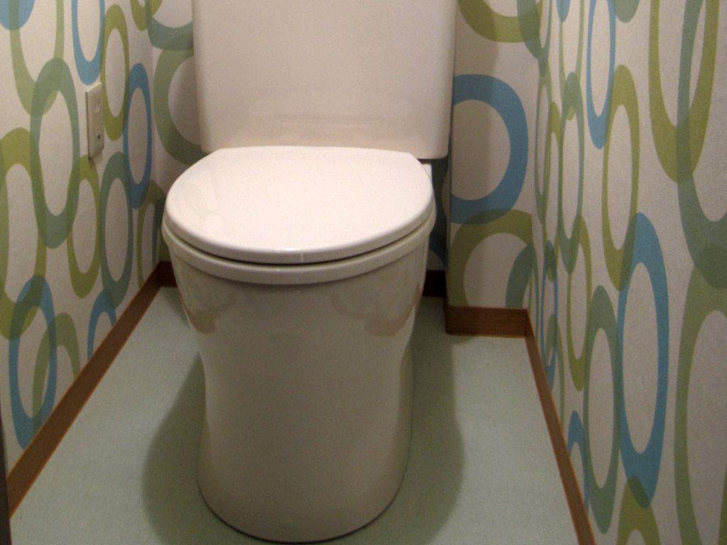 トイレのクロス張替え