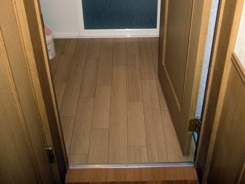 廊下側の床もバリアフリーに