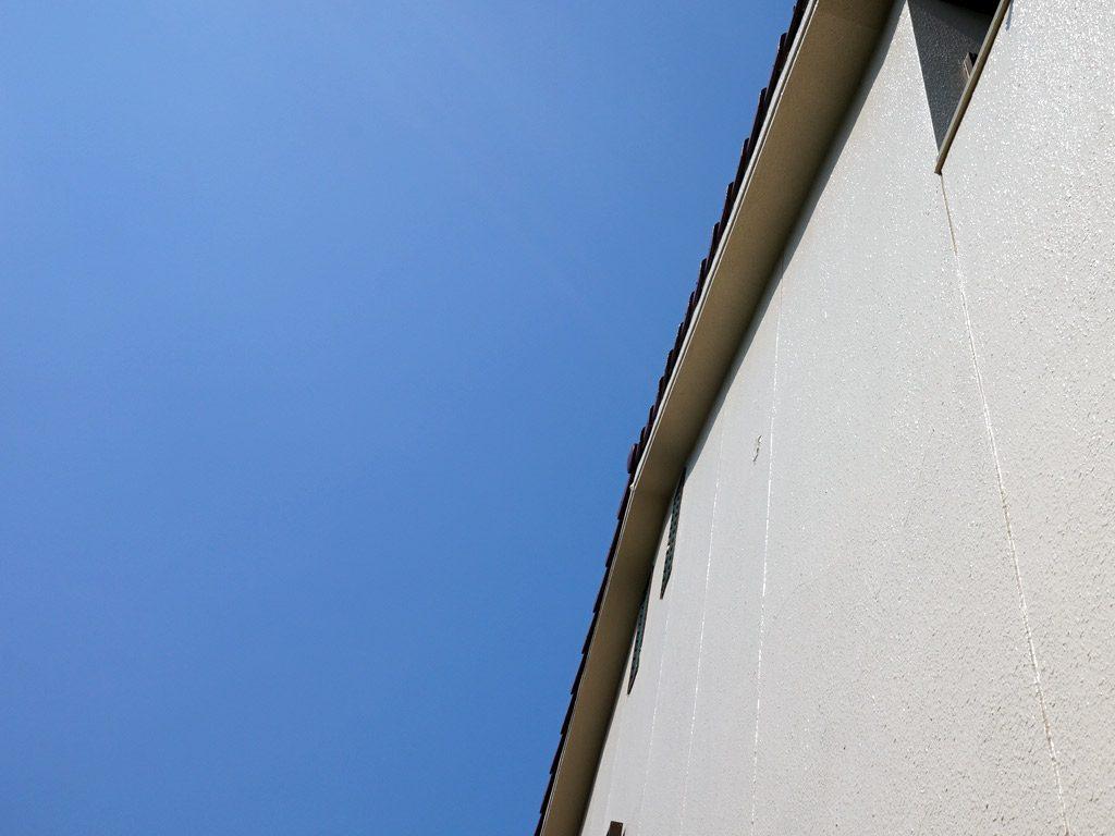 劣化のひどかった壁面も新築のような仕上がりです