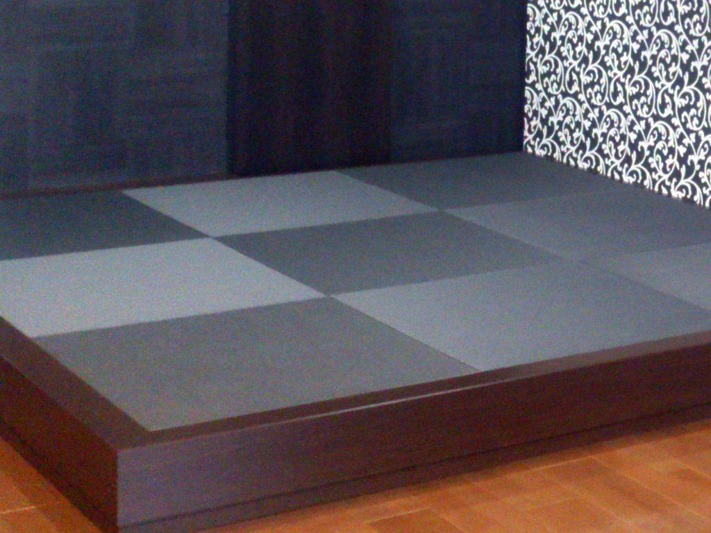 和室は畳を上げて和室空間を演出 畳はグレイッシュ仕上げに