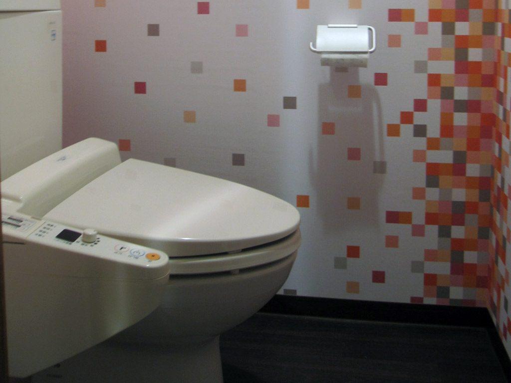 トイレの空間にもアクセントで個性的な空間に。