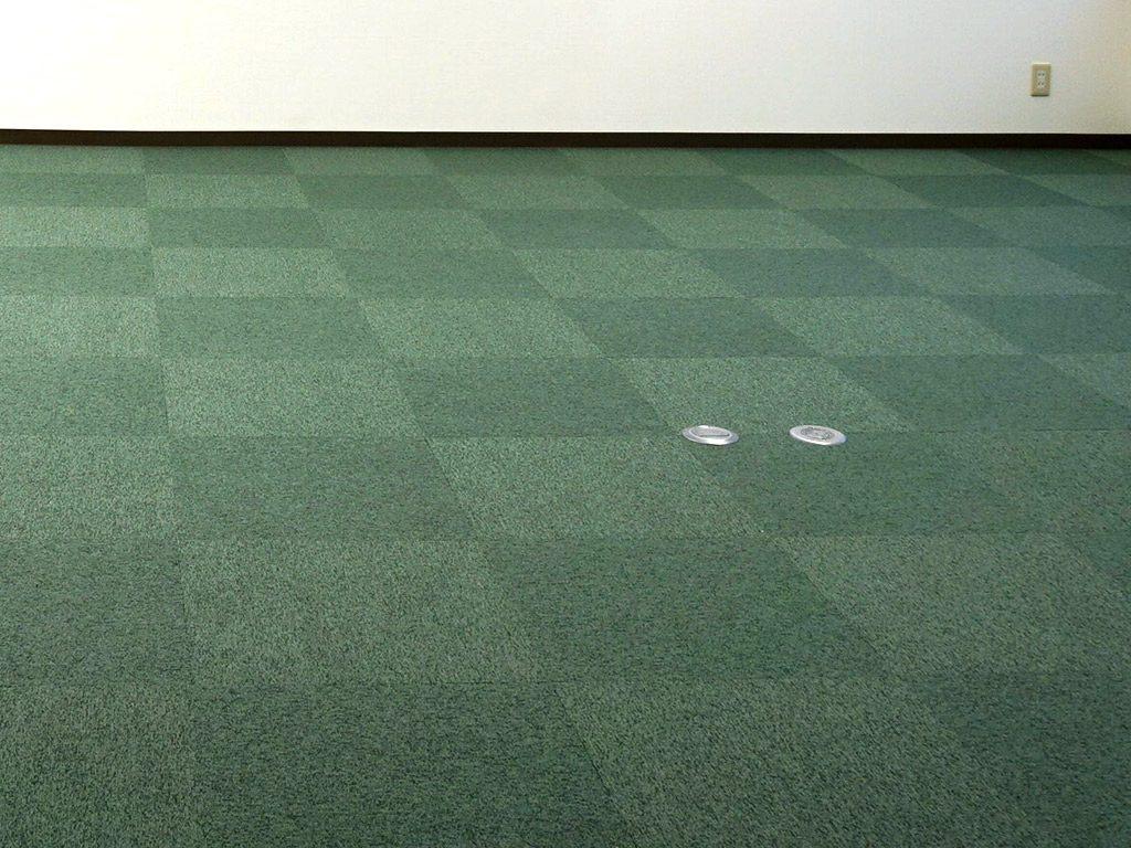 タイルカーペットは音を吸収させる効果があります。