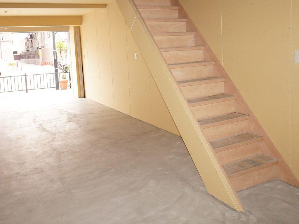 階段はパナソニック電工を使用しました。