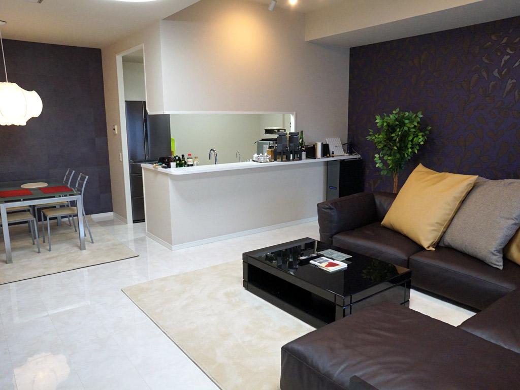 高級感あふれるリビングで、快適な新築マンション暮らし。
