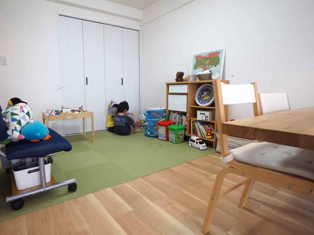 リビングの延長に子供部屋スペースを作り、いつも子供たちの様子がうかがえます。