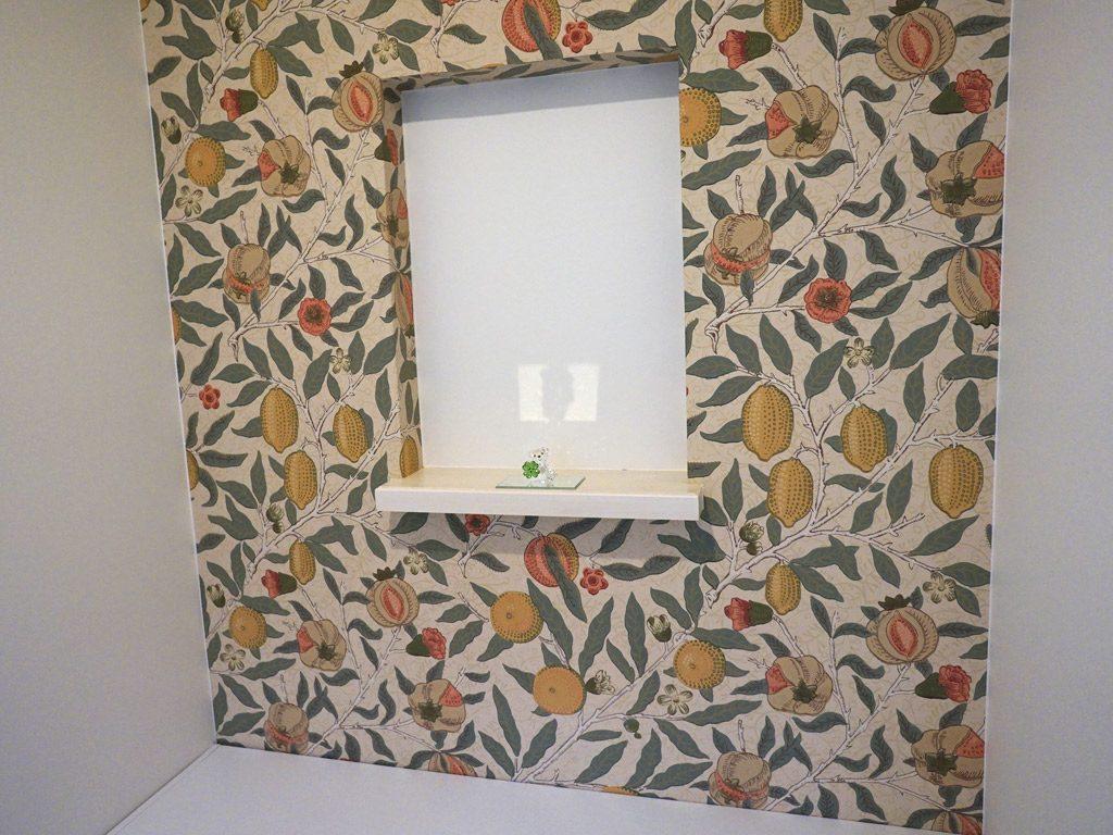 トイレの飾り棚 クロスはお好きなものを選んでいただけます。
