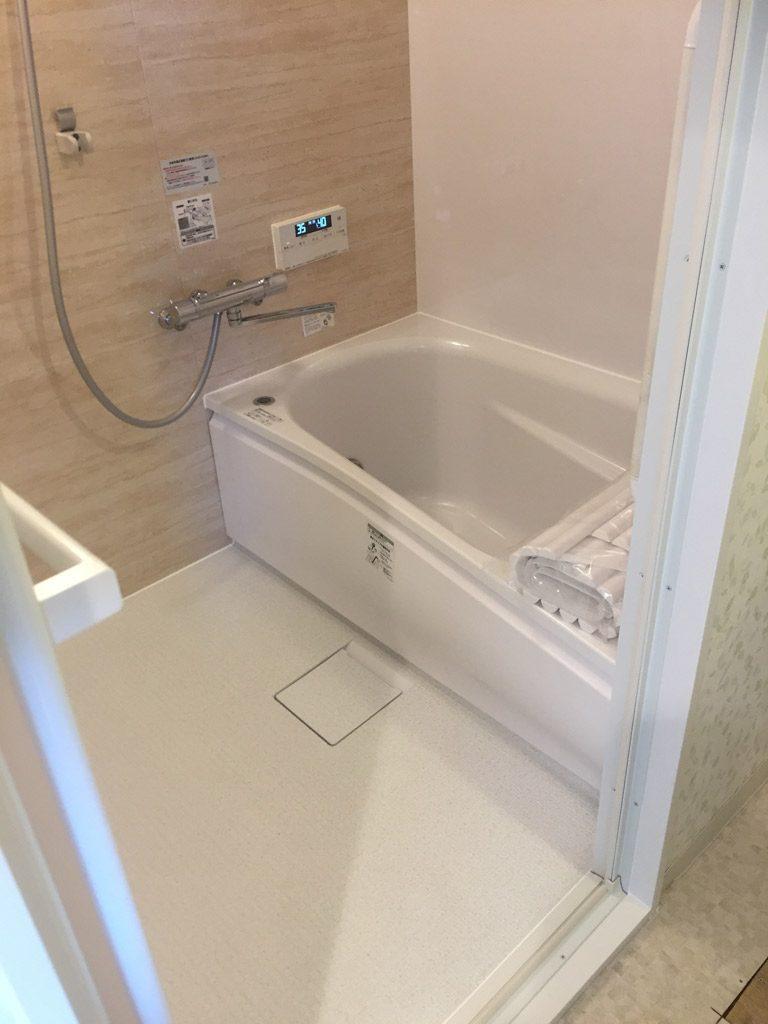 広い浴槽で機能性も充実した快適な入浴タイム。