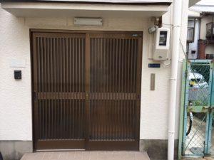 施工前 玄関ドア リクシル