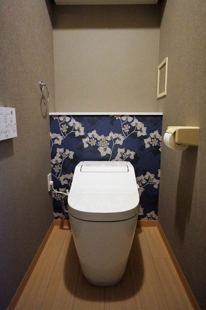 限られたトイレの空間をきれいに、個性豊かに演出。