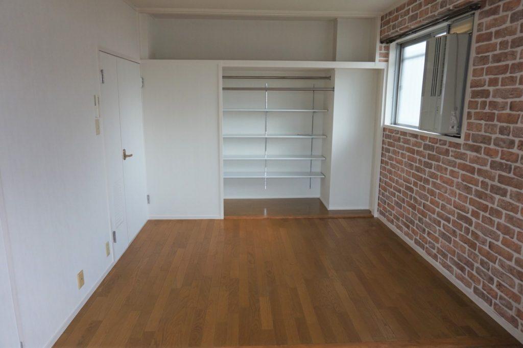 隣接する子供部屋を書斎に一新。押し入れを活かした収納