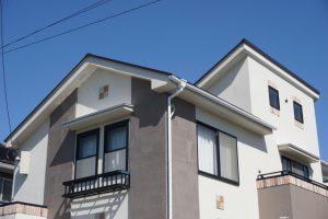 屋根も外壁も10年~20年で「塗装」が必要です